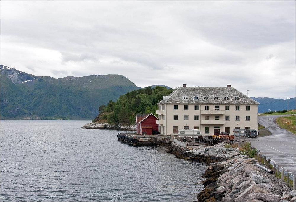 På Nordeide ved Sognefjorden bodde Vendelas mor, Ingi, da familien kom til Norge i 1939.Foto: Sergey Ashmarin