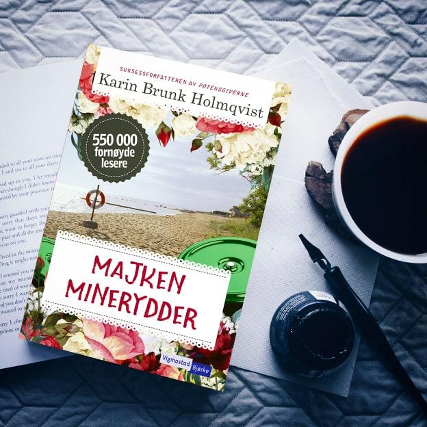Majken minerydder : Nok en varm og sjarmerende Holmqvist-roman om det underlige livet i Österlen i Skåne.