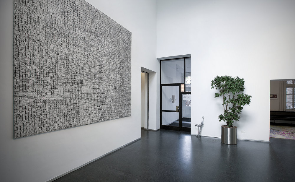 Line drawing, hand embroidered, 320 x 320 cm (on show at the entrance of housing cooperation Stadgenoot)