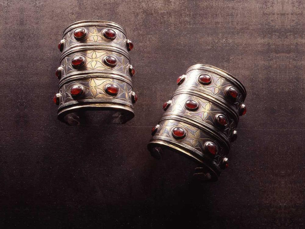.... Original Tekke bracelets from Afghanistan .. Bracelets tekké d'Afghanistan ....