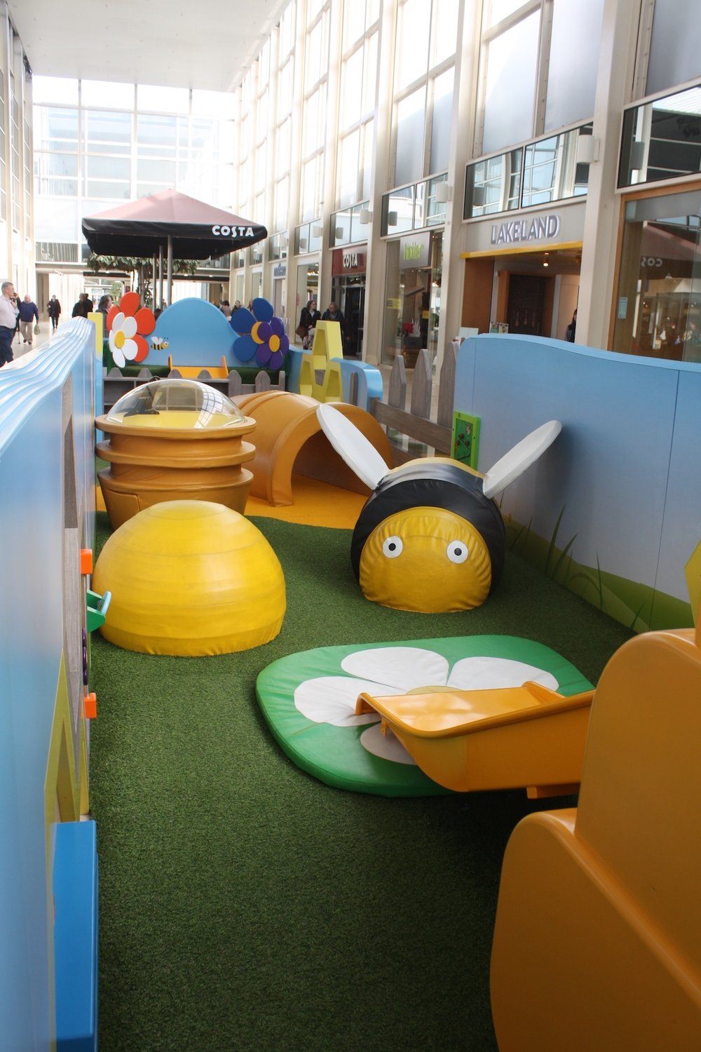 Tigerplay_Centre MK busy beez_interior4.JPG