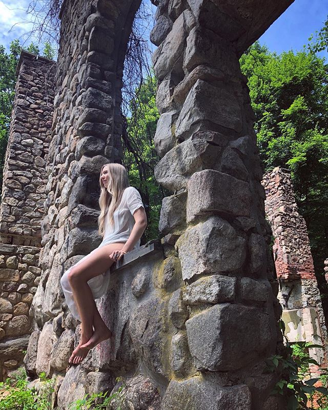 Happy Independence Day! This is me sitting on a foundation of ruins.  This photo was taken by @lulusoni during an incredibly empowering music video I did with some brilliant Americans in this beautiful country on this beautiful planet. Let's take care of it and take care of each other. God bless us all. Stay tuned for two upcoming videos! #völuspa