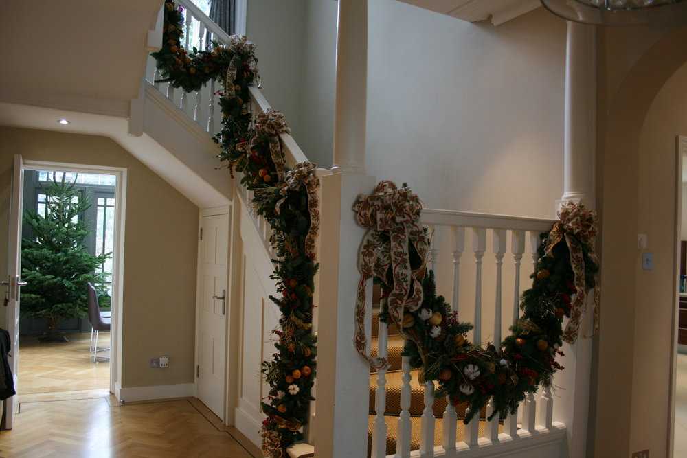 Our traditional garlands are made in different lengths, to suit your stairs, fireplace, mirrors, door entrance etc.