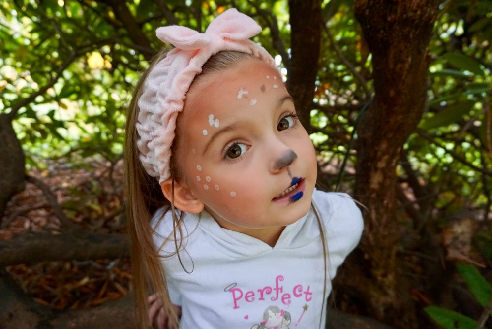 This look is so simple a three-year-old could do it!
