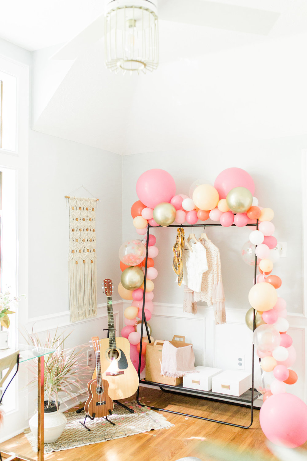 Modern Office Make over Houston Blogger Before and After Home Decor DIY Ballon Garland