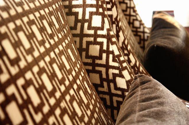 tiffany_lee_ann_design_brown_living_room_07.jpeg