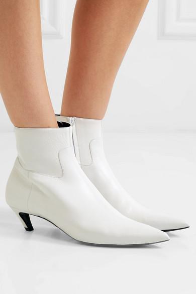 Boots white net.jpg