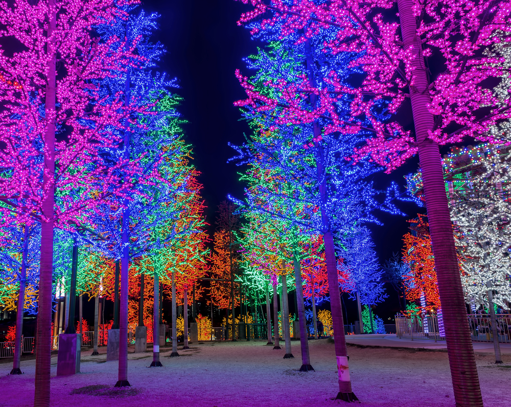 LED lighting with a burst of color