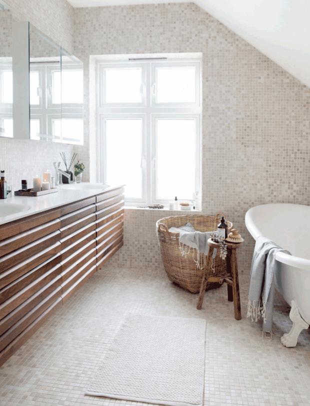 Bathroom Charm via femina.dk