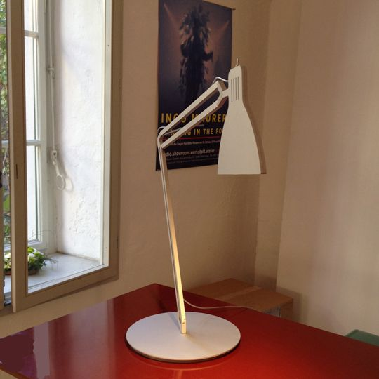 Ingo Maurer LED desk lamp Looksoflat
