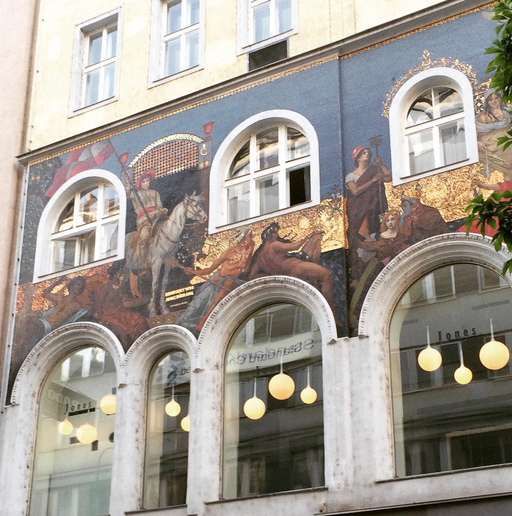 Artemide Castore pendant in Munich