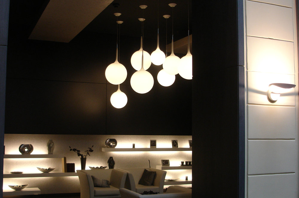 Artemide-Castore-pendant-with-Mesmeri-sconce-Hotel-Zichy-Budapest