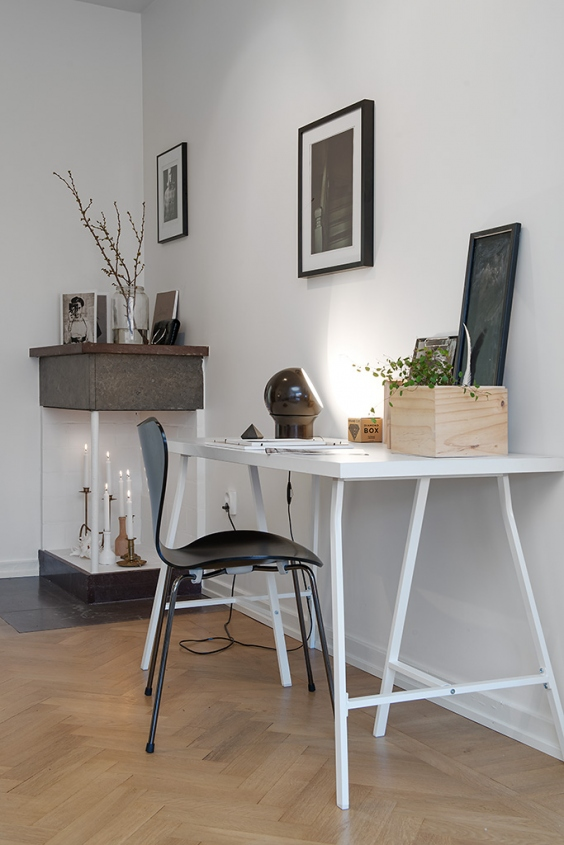 Tiny home office via Alvhem