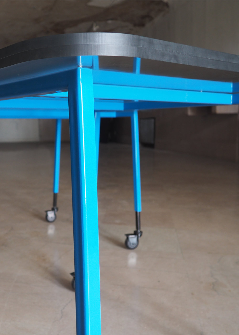 multi purpose plexiglass table detail