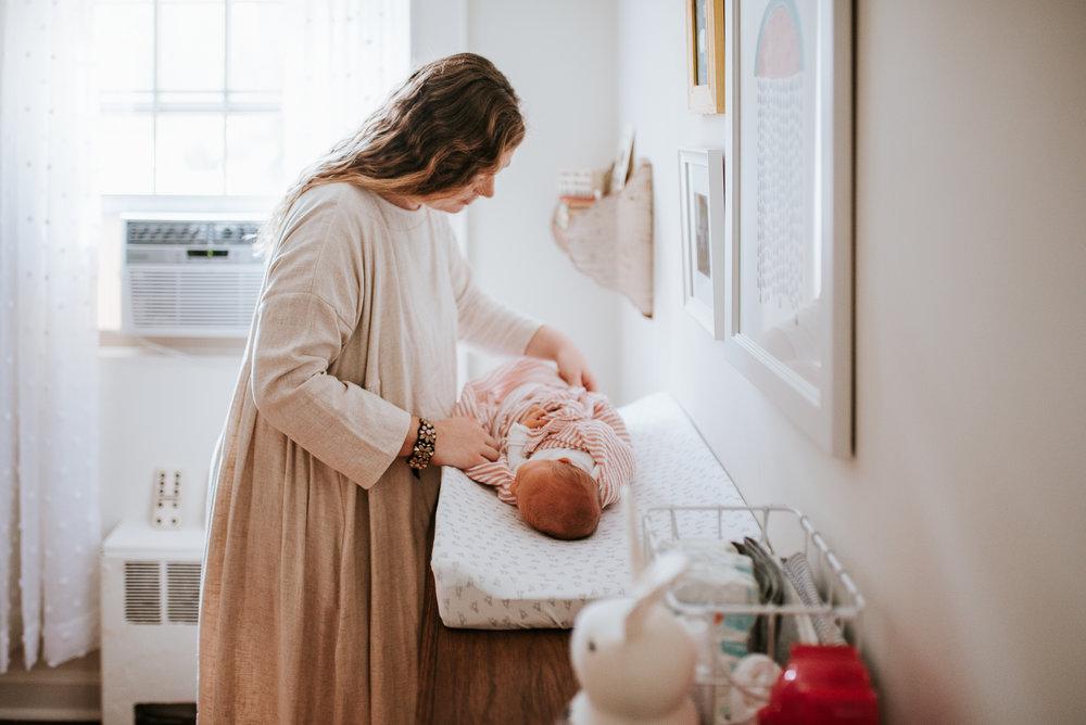 nataliethomasphotography.com-in-home-newborn-session-1773.jpg