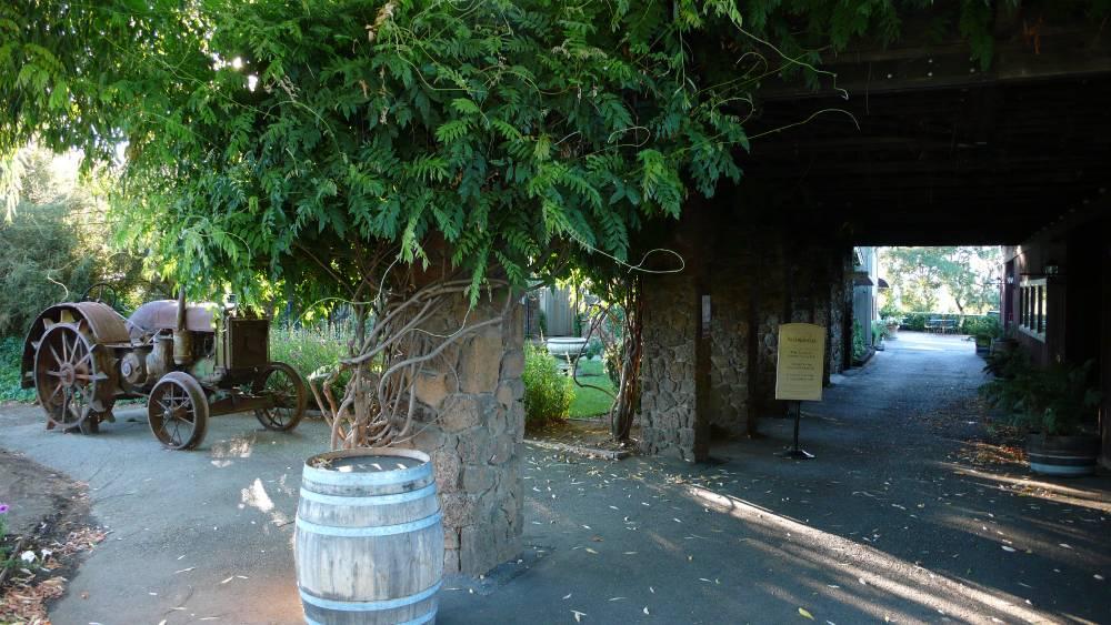 1000x563-passalacqua-winery-healdsburg-ca-95448.jpg