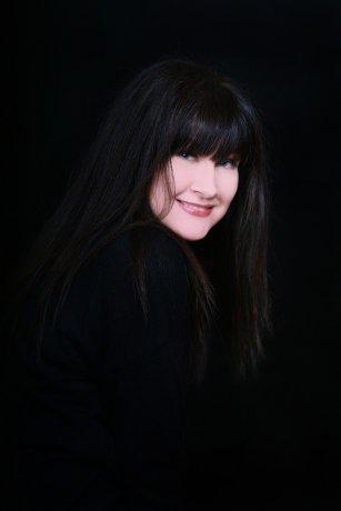 Last Tango's Yvonne Valnea