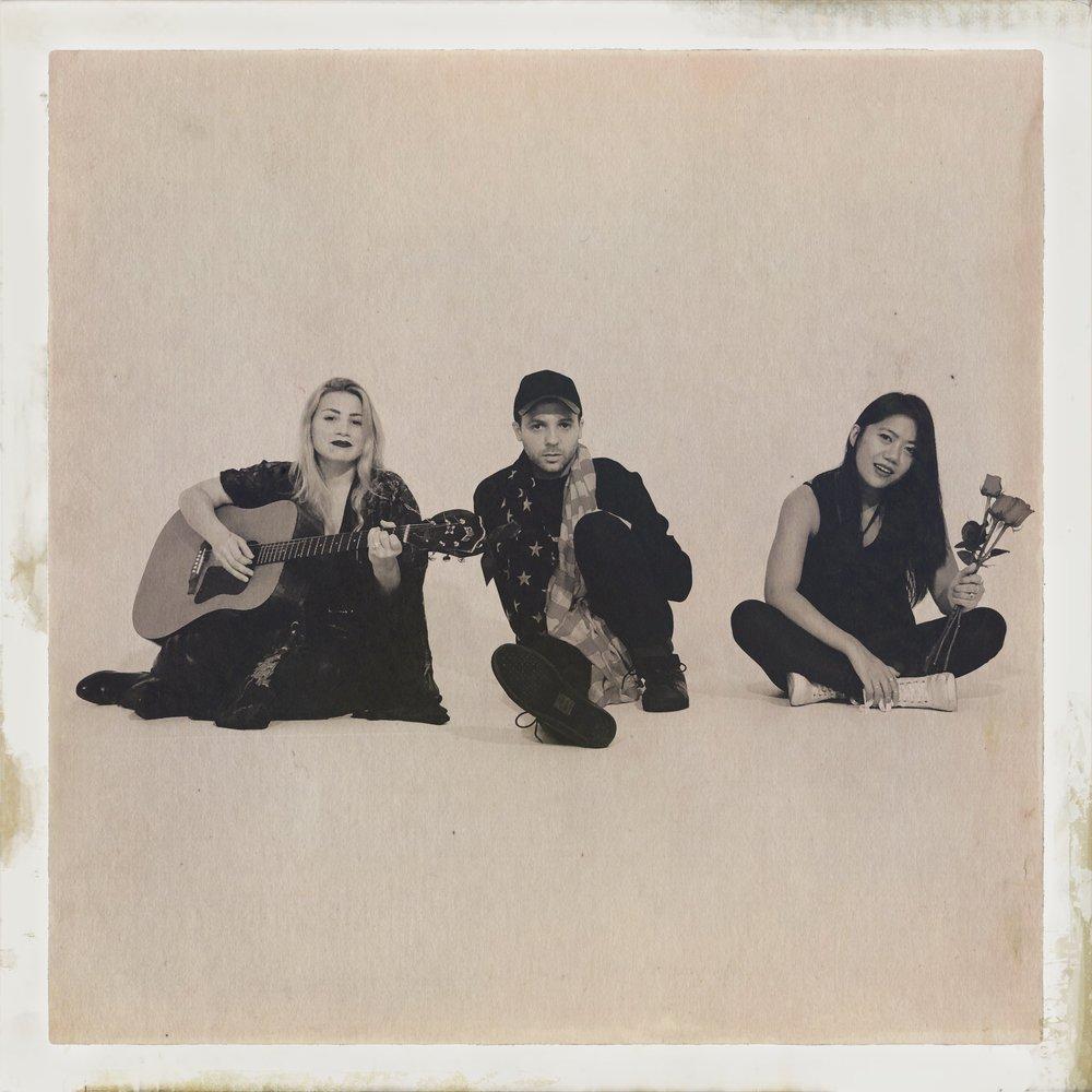 trio 3jpg