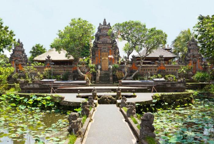 Ubud-Saraswati-Temple.jpg