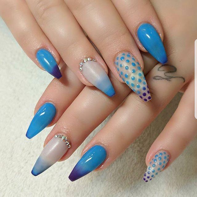 Perfect in blue #ombre  #bluevibes #blueweek #LacQrd #LacQrdSalonOnDemand #GotLacQrd #bluenails #bluenailpolish #manicure #maniinspo #nailsonfleek #nailsdid #nailedit #nailsnob #nailsonpoint #nailblog #nailpolishaddict #nailart #nailartist