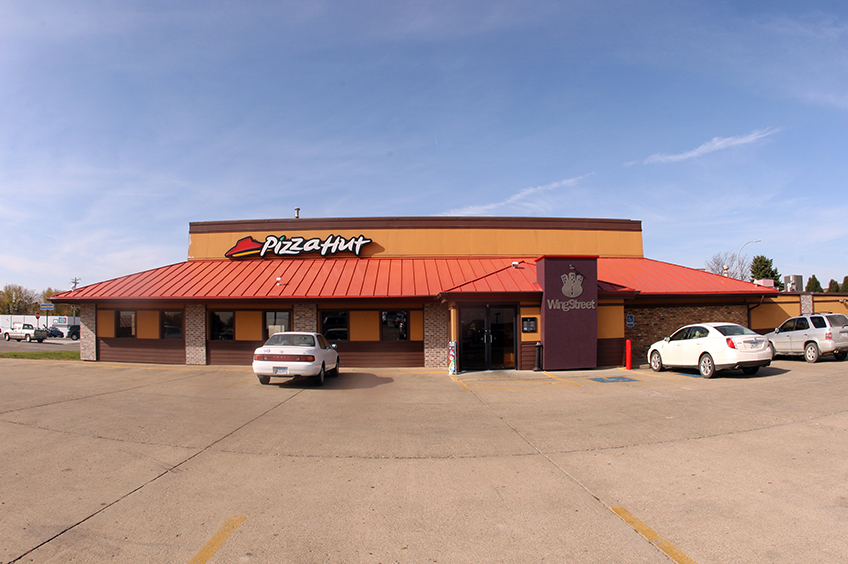PIZZA HUT Carroll, IA