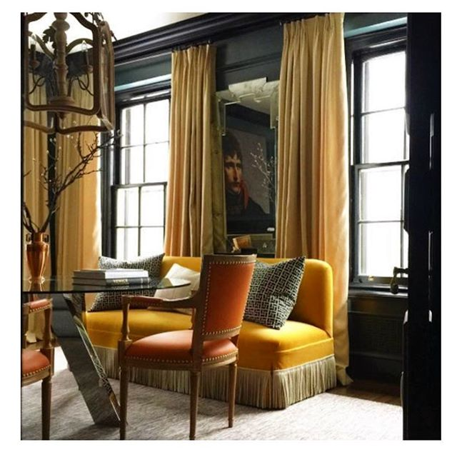One of our favourite designers @garrowkdesigns reminding us what an awesome colour combination black, burnt orange and mustard is 🏴🍊💛and also the use of that amazing bullion fringe!! • • • • • #interiordesign #interiordesigner #interiors #interiorstyle #interiorstyling #interiordetails #homedecor #decoration #bullionforlife #bullion #bullionfringe #blackwalls #blackpaint #burntorange #mustard #mustardvelvet #velvetfurniture #garrowkedigian #sittingroom #interiorinspo