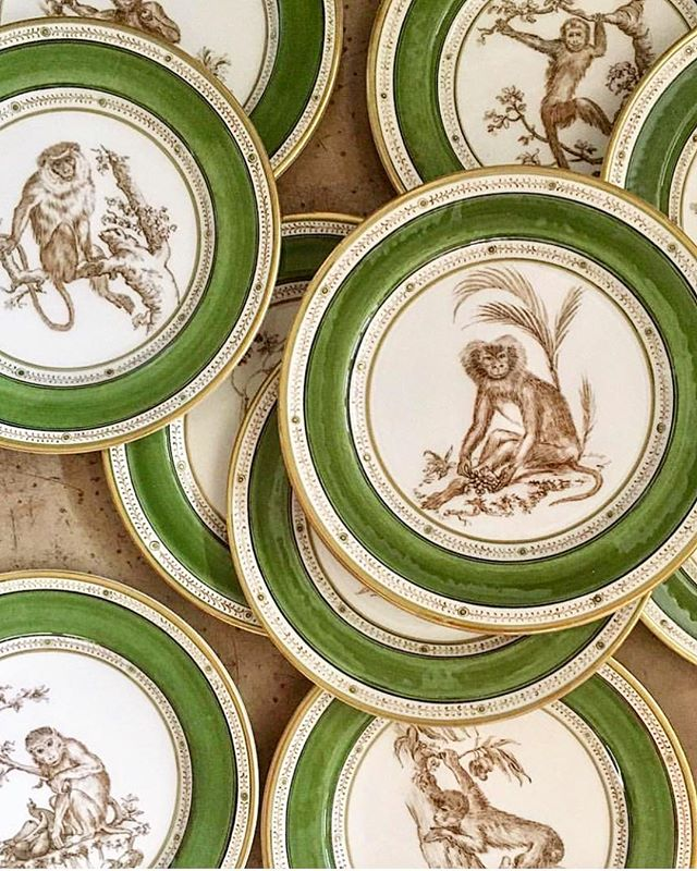 We absolutely love a set of spectacular plates and @laboratorioparavicini is full of them. They are all so beautiful but these cheeky monkeys might just win first prize 🐒🐒🐒 • • • • • #interiordesign #interiordesigner #interiors #interiorstyle #interiorstyling #interiordetails #homedecor #decoration #plates #tableware #tabledesign #dinnerware #ceramics
