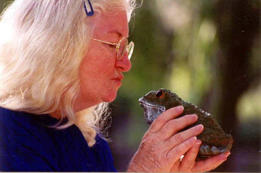 Elizabeth Ellis Frog Kiss Photo.jpg
