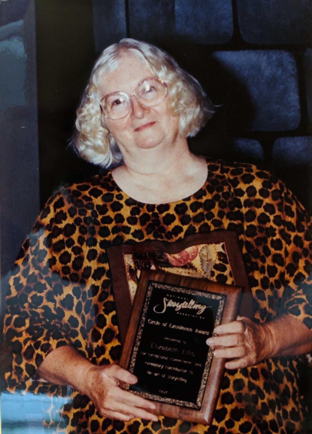 Receiving Circle of Excellence Award, 1997. Image Courtesy of American Folklife Center at the Library of Congress. Used by permission from the International Storytelling Center and Elizabeth Ellis.