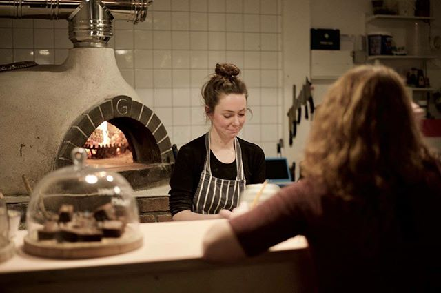 Last Monday @the_balanced_girl & I shared some stories on the theme of #takingtheplunge along with @rebelsofia71 & @scubaste84 at the lovely place that is @grumpysleeds around a roaring pizza oven (we couldn't find a campfire in freezing February!) and we reckon that maybe the world was a little bit better as a result! ... In Helena's words 'Bitesize aims to bring back the learning we can receive from a community and all the variety in it. In the past storytelling was done around a fire, and whilst we're sure we'll be doing that one night (if @iamhayleygillard has anything to do with it), this is our chance to try to rebuild community learning and connections.' ... Chapter Two is taking place on Thursday at 19.30 @sebbysdeli ... we'd love to see you there! X