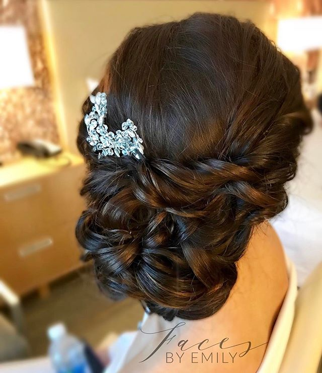 Updo for our bride this week #facesbyemily #bridalhairstyling #wedding #lovemyjob #lovemyclients