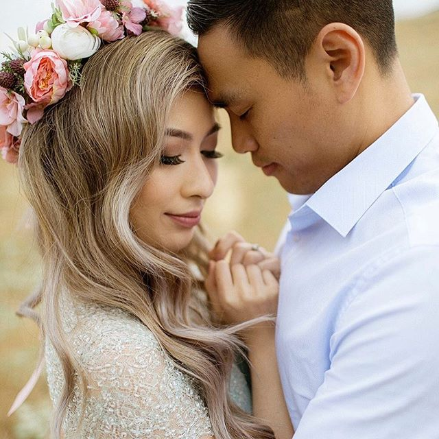 Sneak 👀 at this beautiful engagement 📸 taken by @chardphoto. Thank you @eilwong for ✈️ me down there to be a part of this amazing shoot. Can't wait to see more! #facesbyemily #engagement #photo