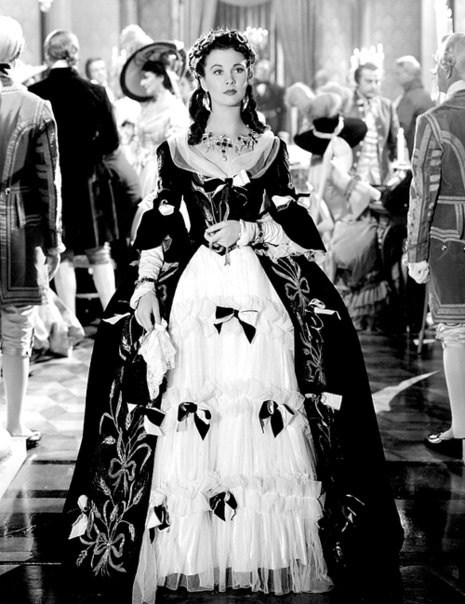 rene hubert joseff that-hamilton-woman-1941-vivien-leigh.jpg