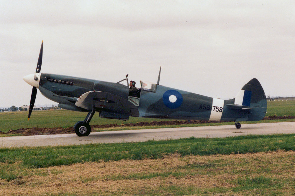 Col Pay in Spitfire VH-HET, finished as A58-758 at Scone 1980s