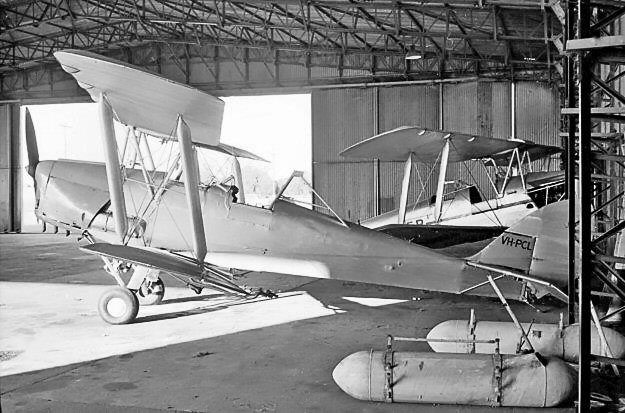 Tiger Moth VH-PCL at Narromine NSW August 1963-photo by Bob Neate