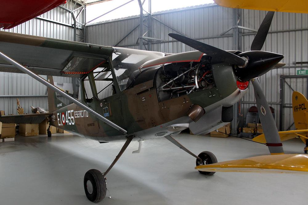 siai-marchetti-in-pays-hangar.jpg