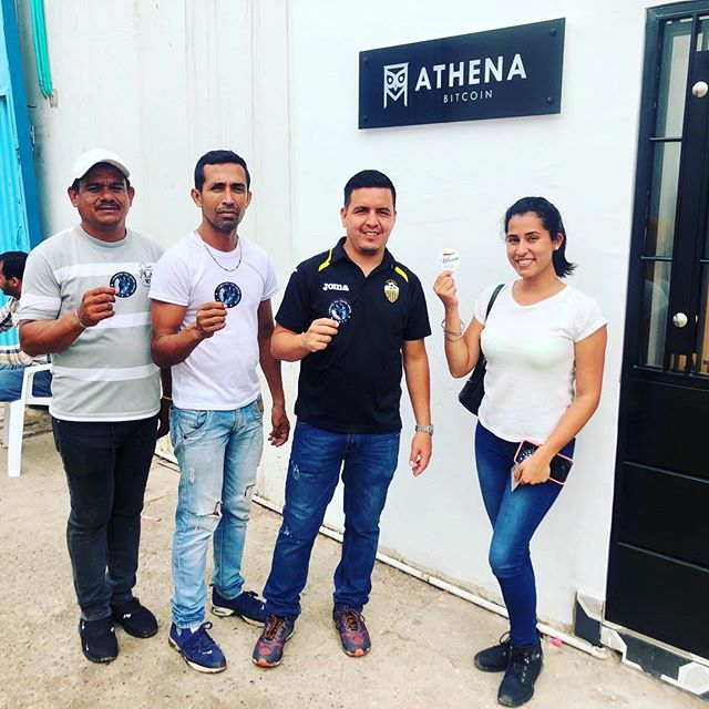 Our 1st customers in #Colombia from #Venezuela!  #bitcoin #blockchain #theowlhaslanded in #cucuta #cucutacolombia #viresinnumeris #freedom #economicfreedom
