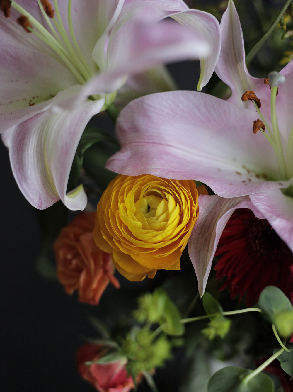 Bea Rue Professional Freelance Photographer Rustic Hudson Valley Weddings Events Bouquet.jpg