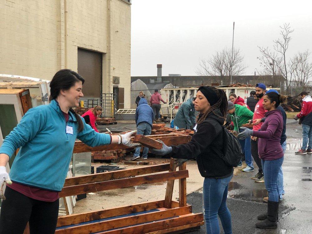 volunteers_Philly_Dec18