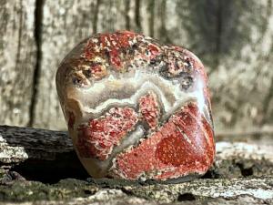 Crazy Lace Agate: Stone of Laughter  Chakras: Third eye, Crown  Zodiac: Gemini