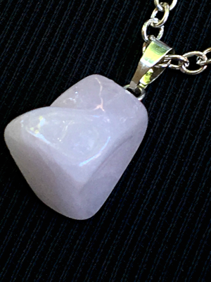 Pink Chalcedony: Stone of The Heart  Chakras: Heart, Throat  Zodiac: Sagittarius, Aquarius, Cancer, Virgo