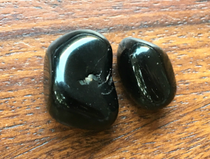 Obsidian: Stone of Protection  Chakra: Root / Base  Zodiac: Sagittarius, Scorpio