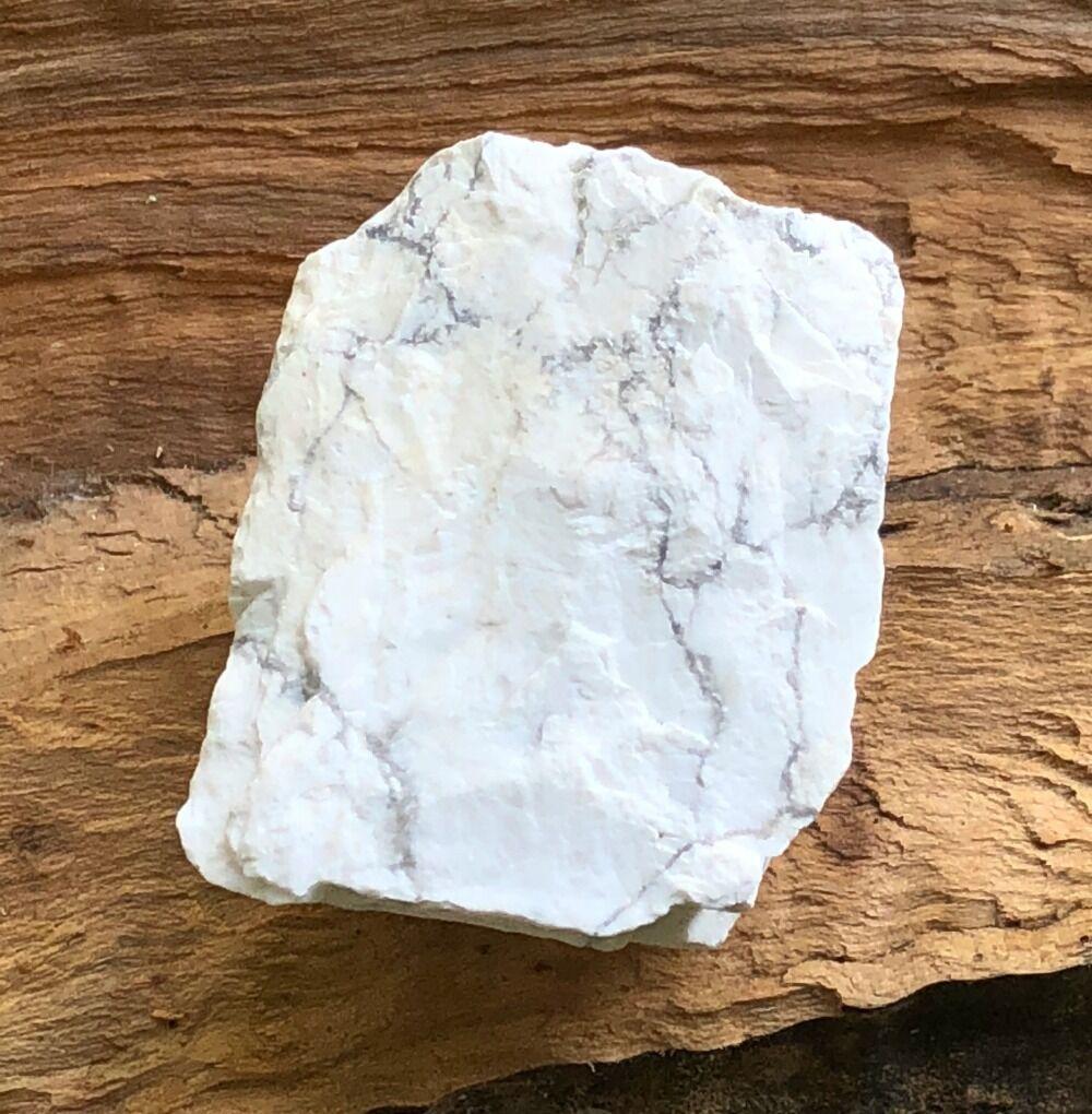 white howlite healing