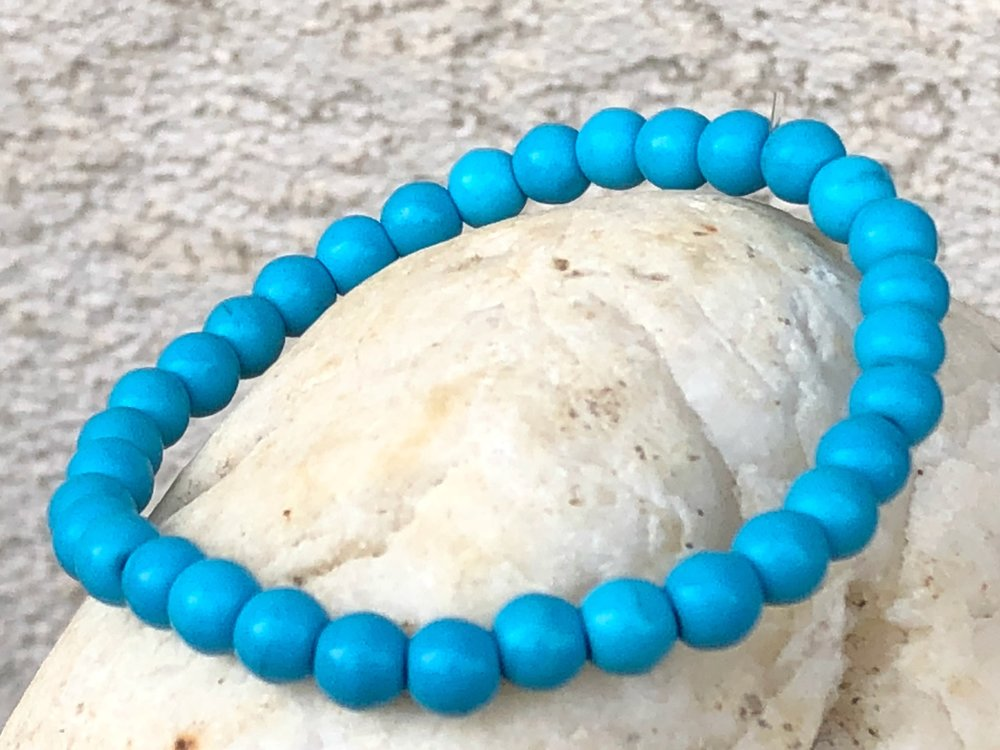 Blue Howlite bracelet.jpg