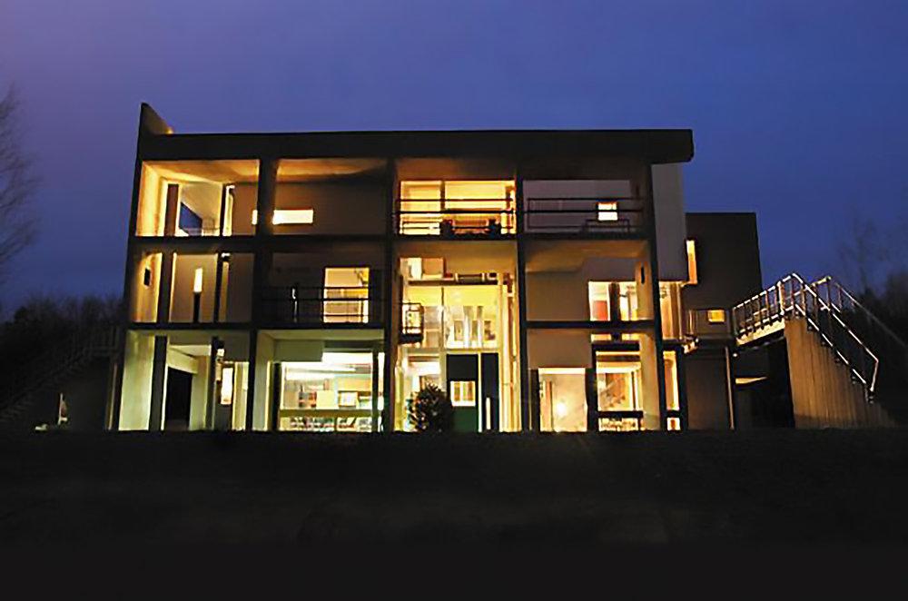 mh-night-facade.jpg