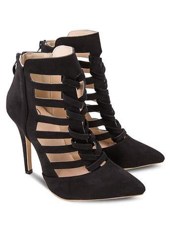Sidewalk Twisted Strap Boots