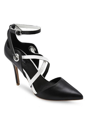 TOPSHOP black Grand Cross-Strap Courts