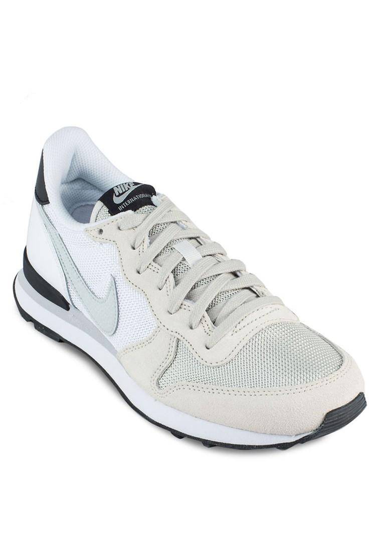 Women Nike Internationalist Sneakers
