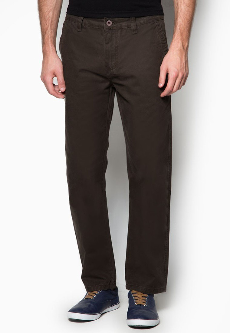 565 Slim Straight Chinos