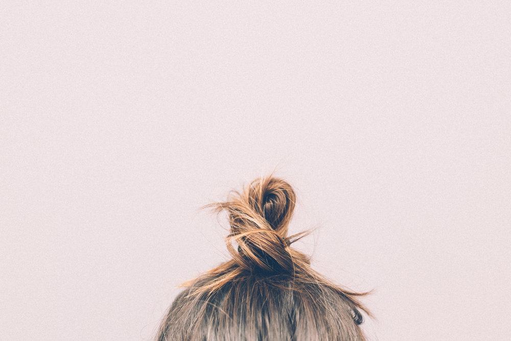 pink-hair-selfie-bun.jpg